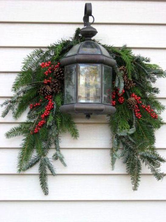 Cozy Outdoor Christmas Decoration Ideas 34