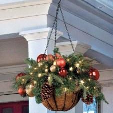 Cozy Outdoor Christmas Decoration Ideas 47