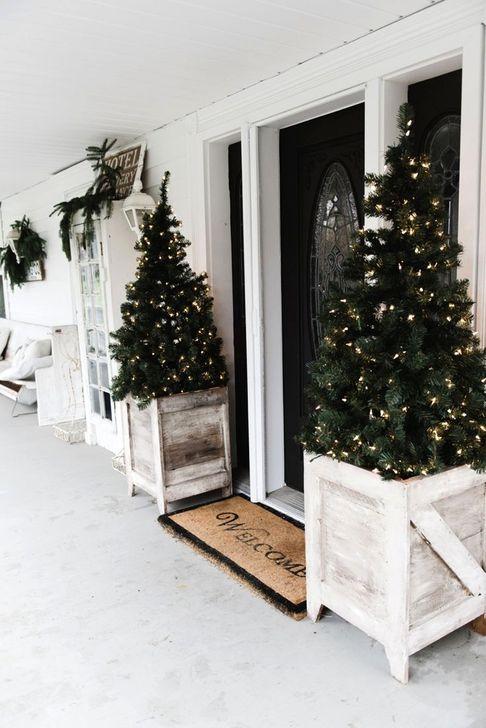 Cozy Outdoor Christmas Decoration Ideas 57