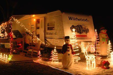 Creative RV Remodel Ideas For Christmas 35