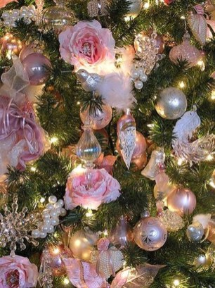 Cute Pink Christmas Tree Decoration Ideas You Will Totally Love 08