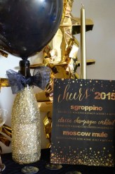 Easy DIY New Years Eve Party Decor Ideas 20