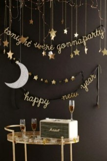 Easy DIY New Years Eve Party Decor Ideas 26