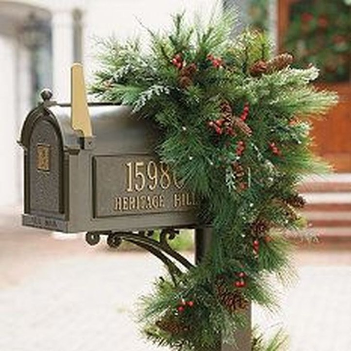Excellent Christmas Wearth Decoration For Your Door 01