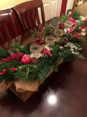 Eye Catching Kitchen Table Christmas Decoration Ideas 08