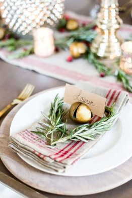Eye Catching Kitchen Table Christmas Decoration Ideas 09