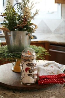 Eye Catching Kitchen Table Christmas Decoration Ideas 16