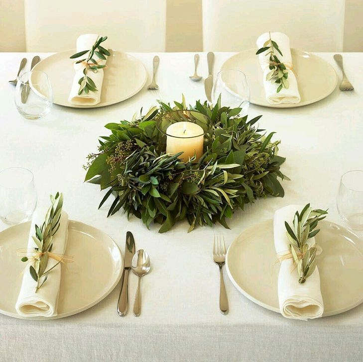 Eye Catching Kitchen Table Christmas Decoration Ideas 18