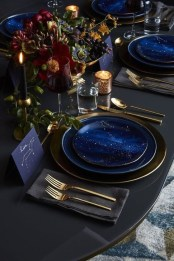 Eye Catching Kitchen Table Christmas Decoration Ideas 19