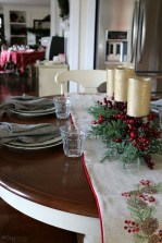Eye Catching Kitchen Table Christmas Decoration Ideas 35