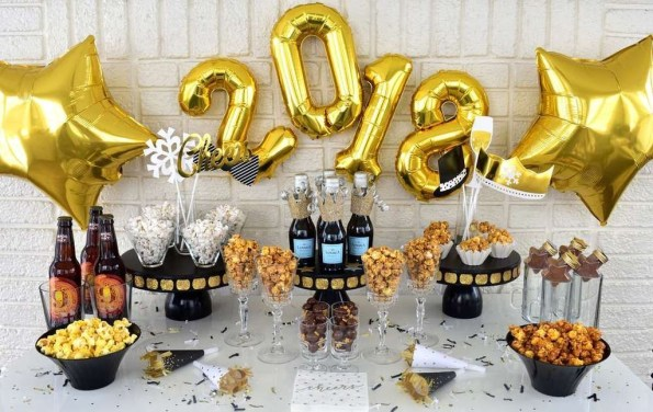 Fantastic New Years Eve Party Table Decoration Ideas 24
