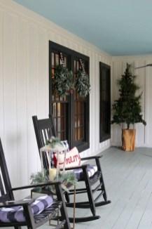 Favorite Christmas Porch Decoration Ideas 05