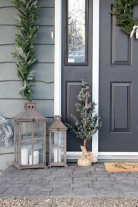 Favorite Christmas Porch Decoration Ideas 07