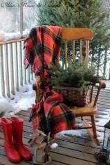 Favorite Christmas Porch Decoration Ideas 10