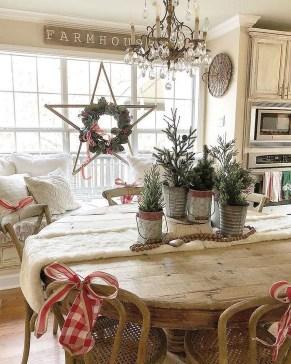 Gorgeous Farmhouse Christmas Tree Decoration Ideas 08