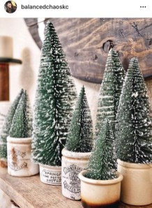 Gorgeous Farmhouse Christmas Tree Decoration Ideas 10
