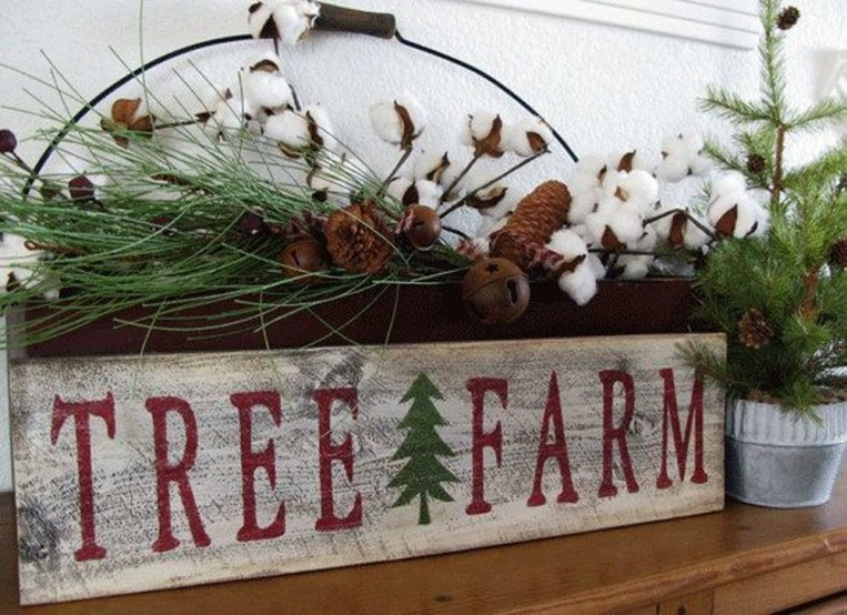 Gorgeous Farmhouse Christmas Tree Decoration Ideas 58