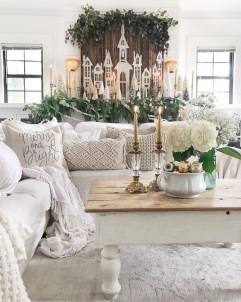 Inspiring Christmas Decoration Ideas For Your Living Room 11