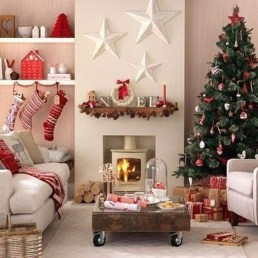 Inspiring Christmas Decoration Ideas For Your Living Room 28