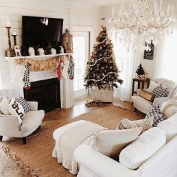 Inspiring Christmas Decoration Ideas For Your Living Room 32