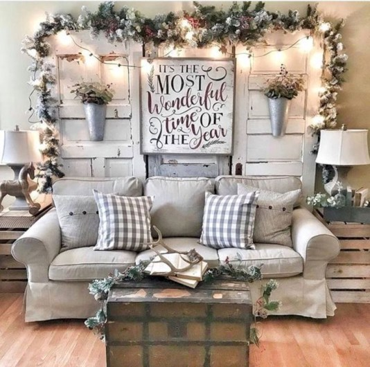 Inspiring Christmas Decoration Ideas For Your Living Room 43