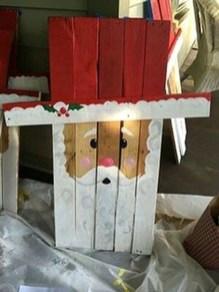 Inspiring Wooden Winter Decoration Ideas 21