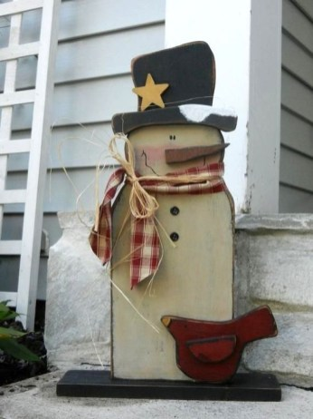 Inspiring Wooden Winter Decoration Ideas 25