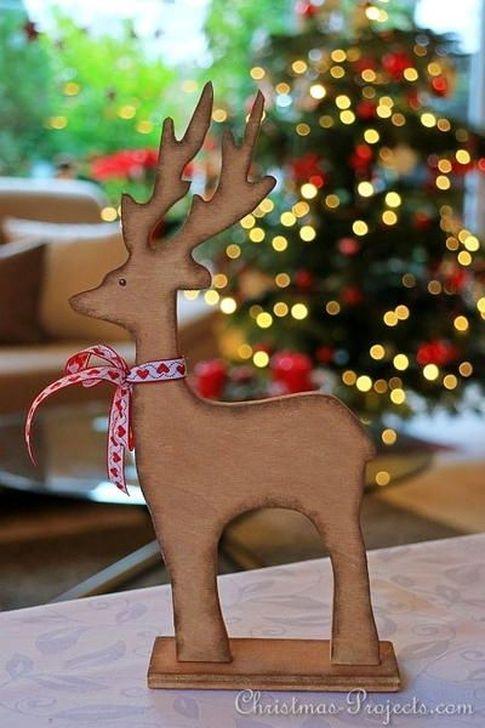 Inspiring Wooden Winter Decoration Ideas 40