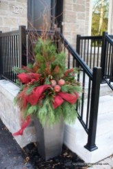 Marvelous Christmas Entryway Decoration Ideas 30