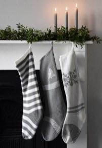 Minimalist Christmas Decoration On A Budget 15