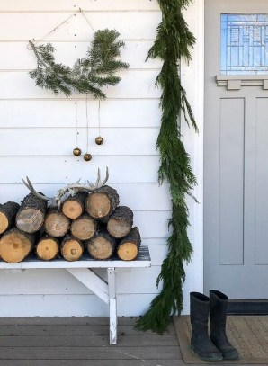 Minimalist Christmas Decoration On A Budget 21