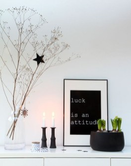 Minimalist Christmas Decoration On A Budget 24