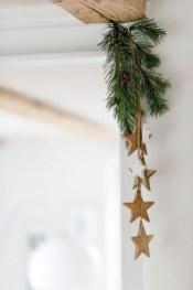 Minimalist Christmas Decoration On A Budget 37