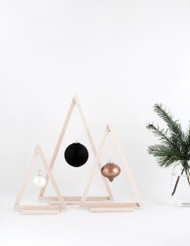 Minimalist Christmas Decoration On A Budget 41