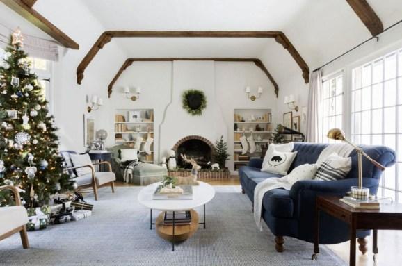 Popular Winter Living Room Design For Inspiration 01