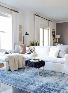 Popular Winter Living Room Design For Inspiration 33