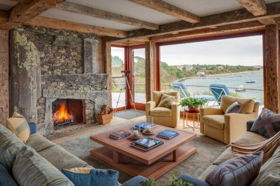 Popular Winter Living Room Design For Inspiration 53