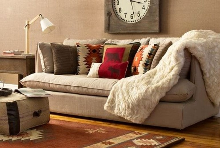 Popular Winter Living Room Design For Inspiration 56