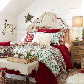 Pretty Christmas Decoration Ideas For Your Bedroom 01
