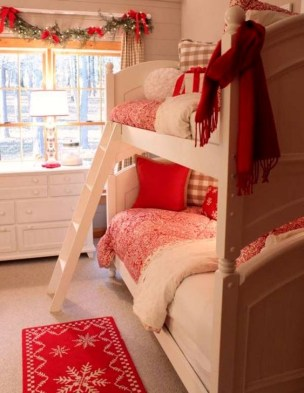 Pretty Christmas Decoration Ideas For Your Bedroom 10