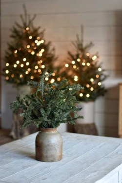 Rustic Farmhouse Christmas Decoration Ideas 09