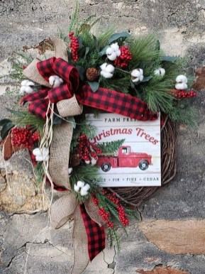 Rustic Farmhouse Christmas Decoration Ideas 27