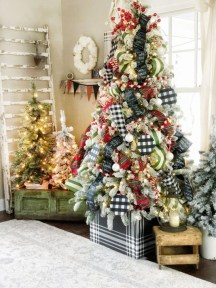 Rustic Farmhouse Christmas Decoration Ideas 48