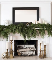 Smart Fireplace Christmas Decoration Ideas 13