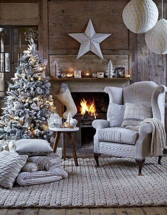 Smart Fireplace Christmas Decoration Ideas 37