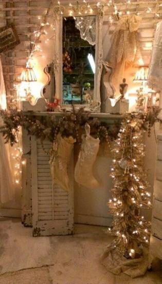 Stunning Shabby Chic Christmas Decoration Ideas 43