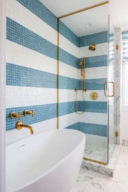 Adorable Beach Bathroom Design Ideas 17