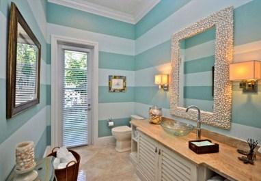 Adorable Beach Bathroom Design Ideas 18