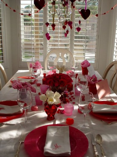 Beautiful Valentines Day Table Decoration Ideeas 09