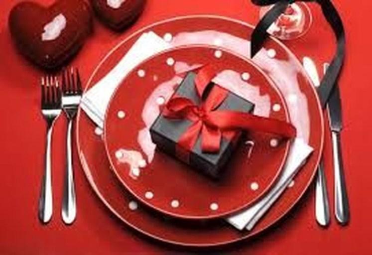 Beautiful Valentines Day Table Decoration Ideeas 10